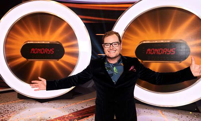 Alan Carr in I Don't Like Mondays